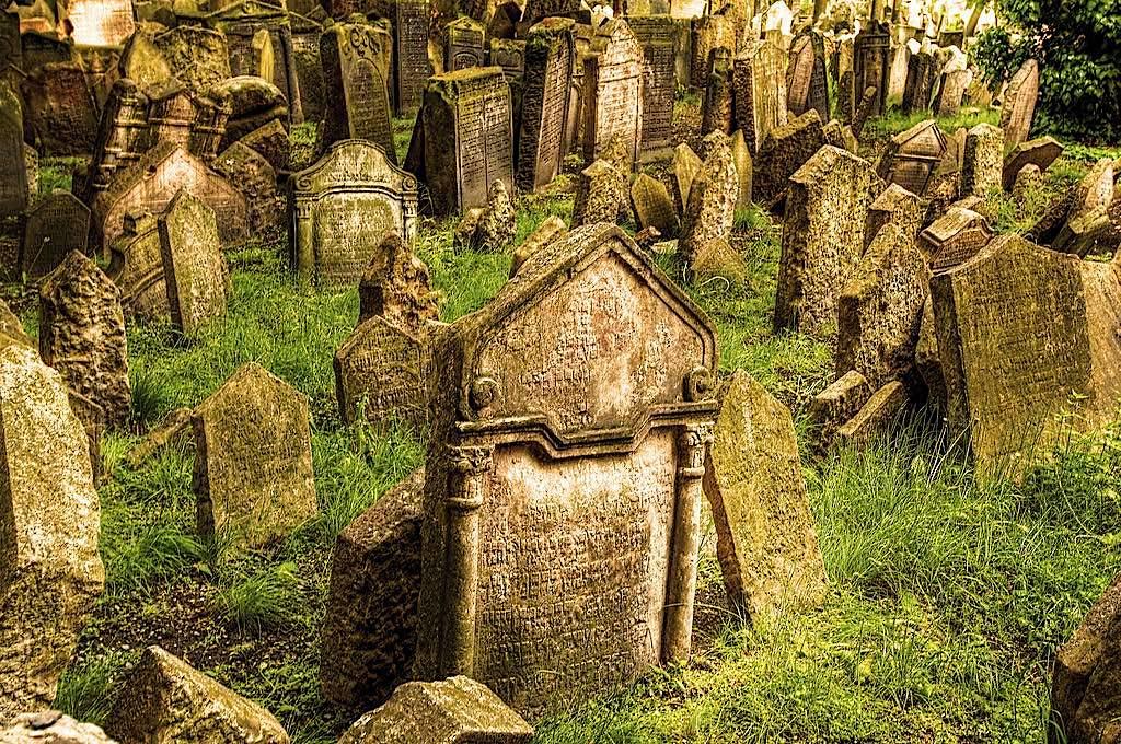 1024px Old Jewish Cemetery copie